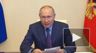 Путин призвал избавить врачей и соцработников от бумажной волокиты