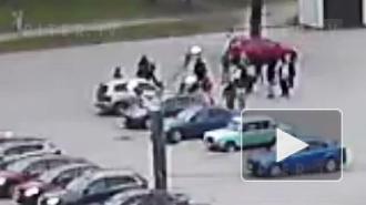 Потасовка футбольных фанатов на площади Мужества попала на видео