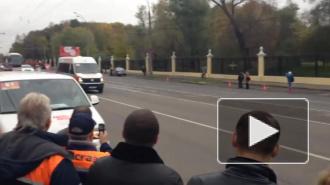 То потухнет, то погаснет: в Москве не желает гореть Олимпийский огонь