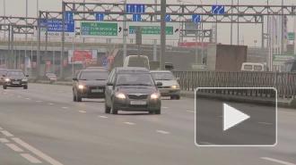 В ночном столкновении на КАД в Петербурге пострадали два грузовика и легковушка