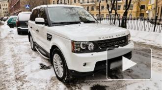 """Начальник """"Газпромнефти"""" лишился Land Rover за 5 млн в центре Петербурга"""
