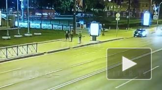 Появилось видео падения солиста балета Мариинского театра с электросамоката