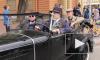 Парад легендарной ретротехники прошел по Невскому в честь Дня города