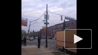 Мужчина, устроивший стрельбу в церкви Чарльстона, сумел скрыться от полиции