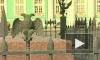 Орлы улетели. С ограды Александровской колонны похитили еще одну птицу.