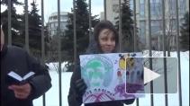 Полиция разогнала пикеты в поддержку Pussy Riot