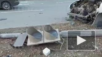 В ДТП на Кантемировской улице пострадали три человека