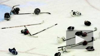 8-летние хоккеисты устроили массовую драку