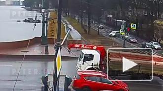Мужчина предотвратил суицид на Каменноостровском мосту: видео