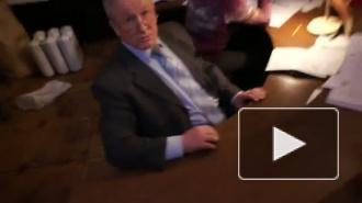 В Интернете опубликовано видео, на котором председатель УИК в Москве заполняет документы, похожие на бюллетени