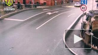 В центре Петербурга столкнулись три машины