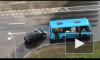 Видео: на Комендантском легковушка влетела в автобус с пассажирами