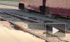 Разбитые трамвайные пути в районе Пороховых ломают автомобили