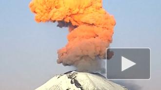Вулкан Шивелуч на Камчатке выбросил девятикилометровый столб пепла
