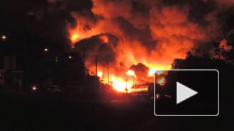 В Канаде горит целый город: с рельсов сошел состав с нефтью