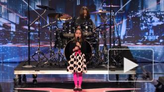 Шестилетняя американка порвала интернет рокерской песней про зомби
