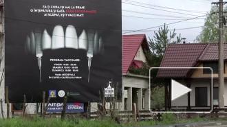 Власти Румынии открыли центр вакцинации от коронавируса в замке Дракулы