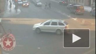 Дерзкий Форд. ДТП на Невском проспекте
