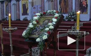 Вместе с первой леди. Патриарх Кирилл посетил Морской собор в Кронштадте