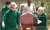 Родственники больной Эболой испанской медсестры умоляют правительство не усыплять ее собаку. Решение за судом