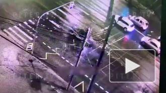 Камеры видеонаблюдения засняли ДТП на Наличной, в котором погиб таксист