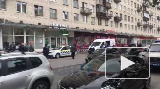 Неизвестный с оружием ограбил банк в Петербурге