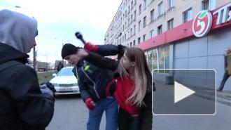 "Драка автомобилистки и активиста ""СтопХама"" в Петербурге попала на видео"