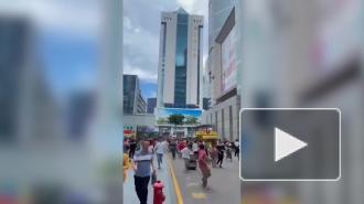 В китайском Шэньчжэне эвакуировали 355-метровый небоскреб из-за вибраций конструкции