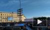 """Видео: Тысячи людей в Петербурге собираются на Дворцовой площади, чтобы увидеть """"Алые паруса"""""""