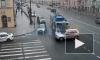 Видео: автомобиль врезался в троллейбус на Марата