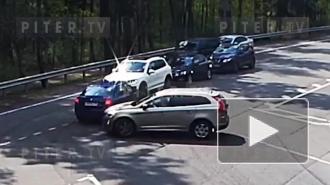 Момент ДТП с участием трех машин в Зеленогорске попал на видео