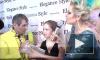 Звезда Олимпиады Юля Липницкая отбивает атаки странных персонажей