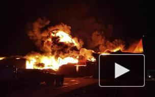 Пожарные ликвидировали открытое горение на складе в Барнауле